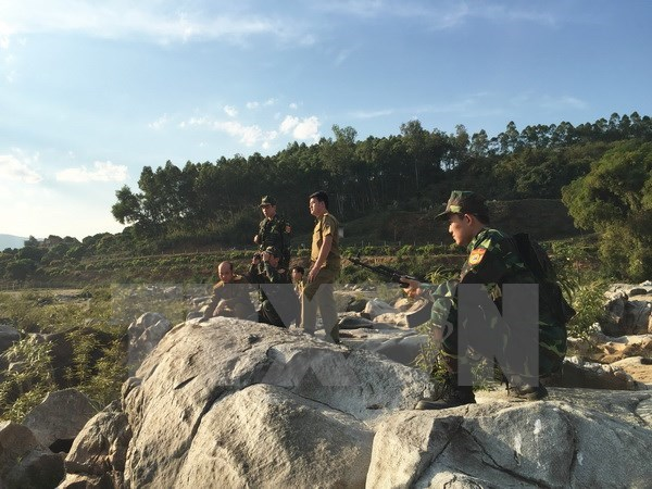 Lao officer stresses boosting borderline defence cooperation hinh anh 1