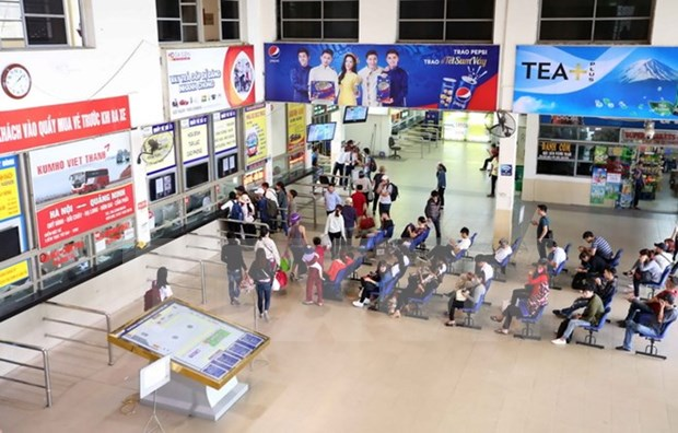 Transport firms gear up for holiday hinh anh 1