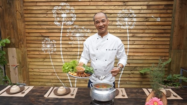 Cuisine space and balloon to promote Fireworks Festival hinh anh 1