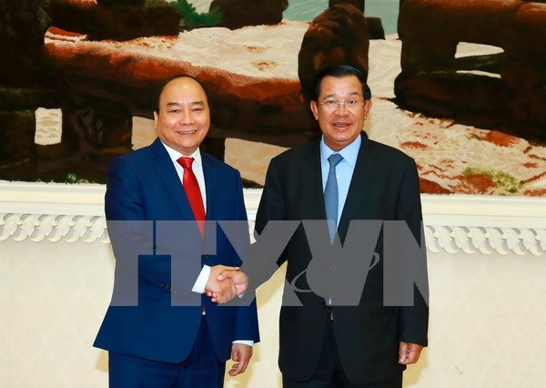 PM Nguyen Xuan Phuc sends thanks to Cambodian counterpart hinh anh 1