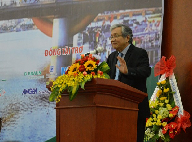Oncologists share experience in cancer diagnosis, treatment hinh anh 1