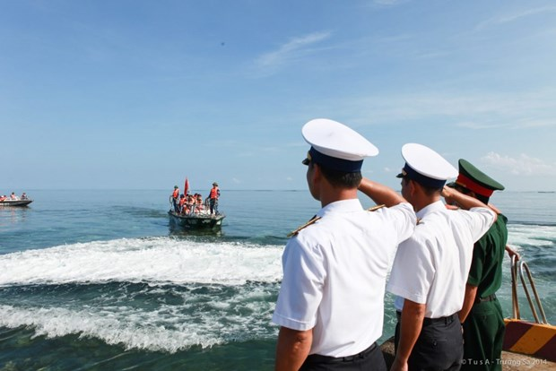 200 youngsters dispatched to visit Truong Sa archipelago hinh anh 1