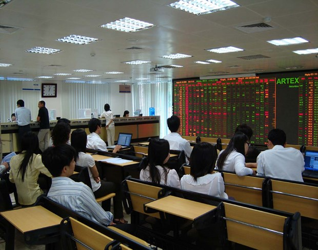 Shares rise on investor optimism hinh anh 1