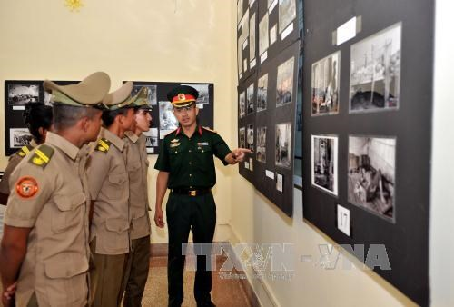 Exhibition on Vietnam's reunification day held in Cuba hinh anh 1