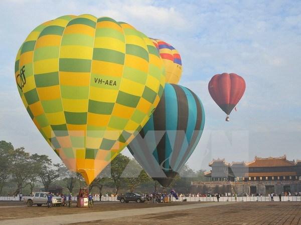 Int'l air balloons festival kicks off in Hue hinh anh 1