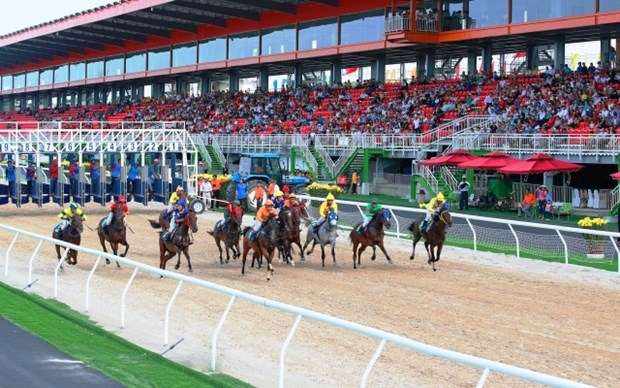 Dai Nam racecourse inaugurated in Binh Duong province hinh anh 1