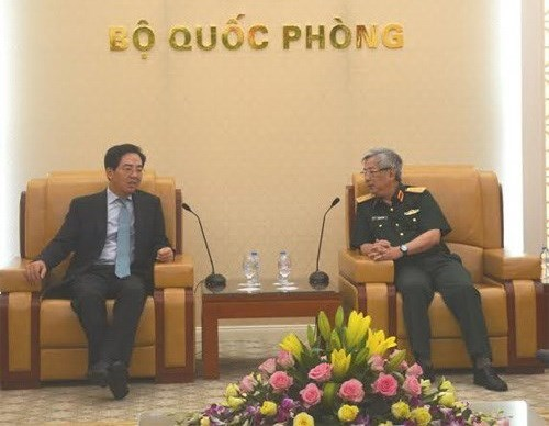 Deputy Defence Minister greets Chinese Ambassador hinh anh 1