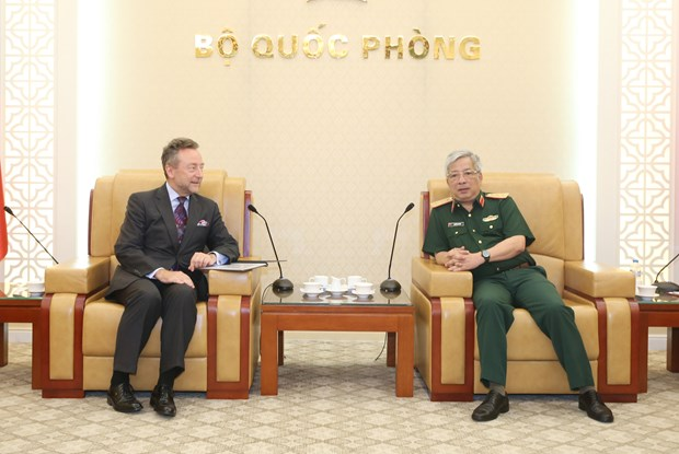 Deputy Defence Minister, Czech ambassador talk defence ties hinh anh 1