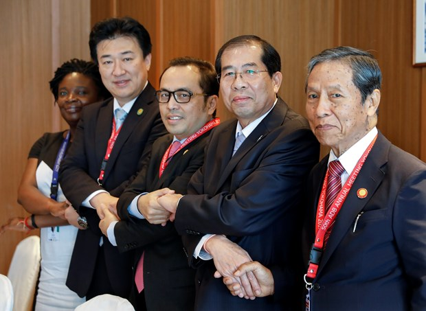 Japan proposes currency swap deal to ASEAN hinh anh 1