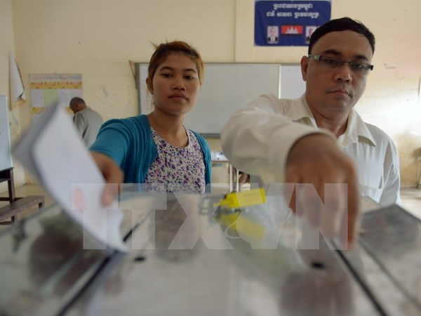 Phnom Penh bans election campaigning marches in major streets hinh anh 1