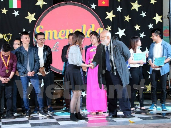Vietnamese students in Italy hold festival hinh anh 1