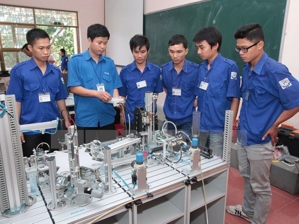 Industry links up with vocational educators to reduce skill gap hinh anh 1