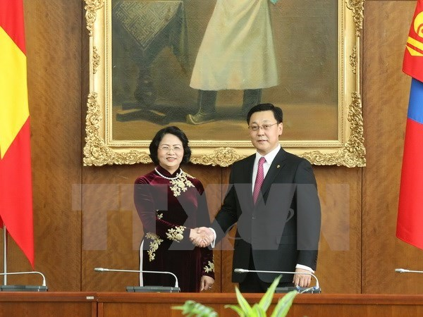 Vice President, Mongolian PM discuss reinforcing ties hinh anh 1