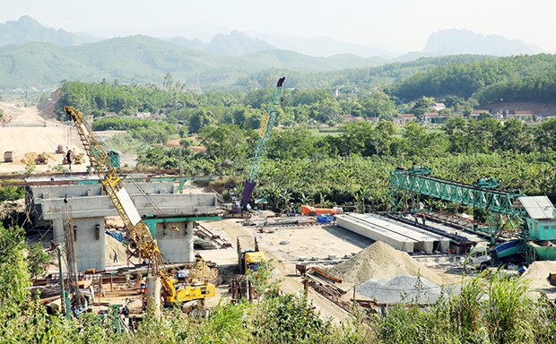 Ha Long-Van Don expressway expected to be operational in December hinh anh 1