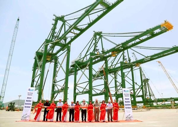 Doosan Vina ships three gantry cranes to India hinh anh 1