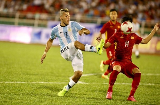 Football: Vietnam U20 lose to Argentina in friendly hinh anh 1