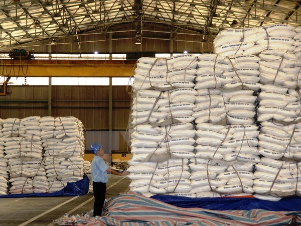 Vietnam's sugar inventory reaches record high in April hinh anh 1