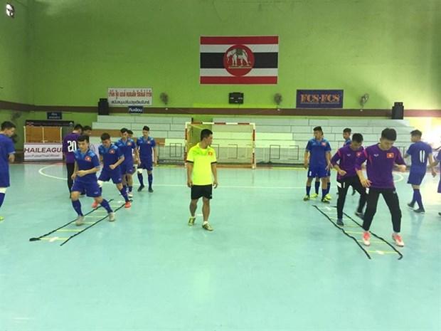 VN beats Uzbekistan 4-1 in U20 futsal friendly hinh anh 1