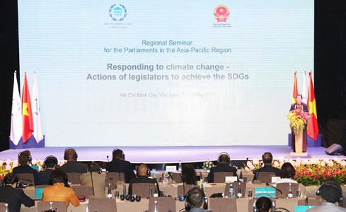 Regional legislatures called to do more in climate change response hinh anh 1