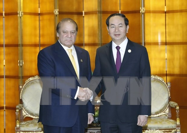 President holds bilateral meetings on fringes of Belt and Road Forum hinh anh 1