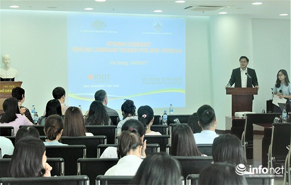 Australia helps English training for Da Nang to host APEC events hinh anh 1