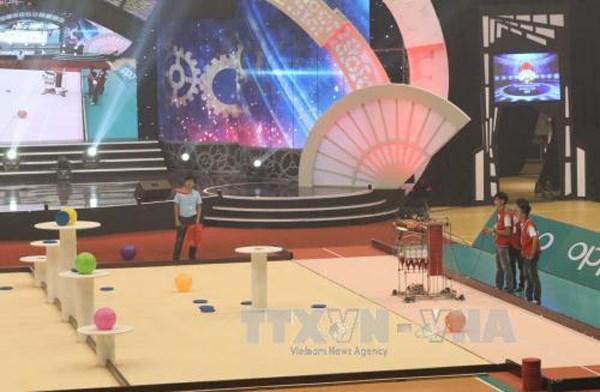 Lac Hong University in Dong Nai wins 2017 Robocon Vietnam hinh anh 1