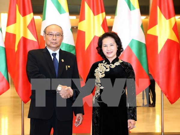 Vietnamese, Myanmar top legislators hold talks to seek stronger ties hinh anh 1