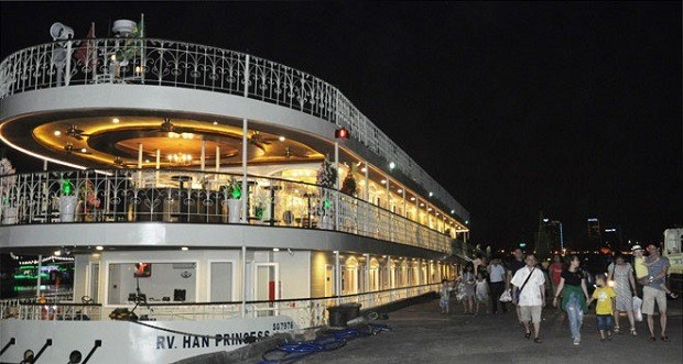 Central city launches five-star river cruise hinh anh 1