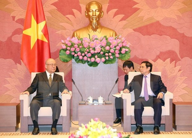 Party official receives Japanese guest hinh anh 1