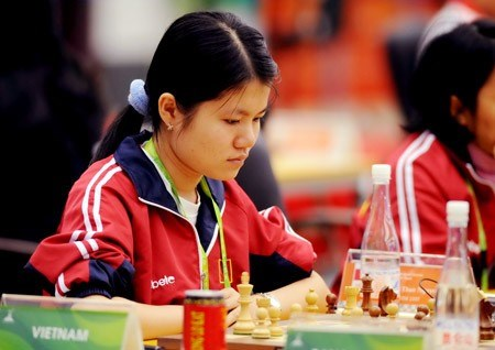 Vietnam's female chess player leads in Asian champs hinh anh 1