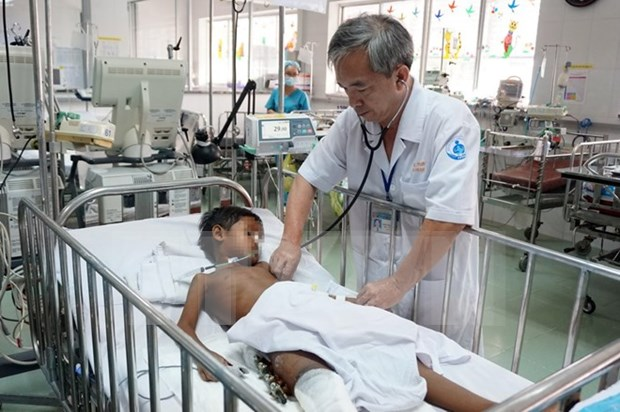 HCM City doctors raise fund to support Cambodian child hinh anh 1