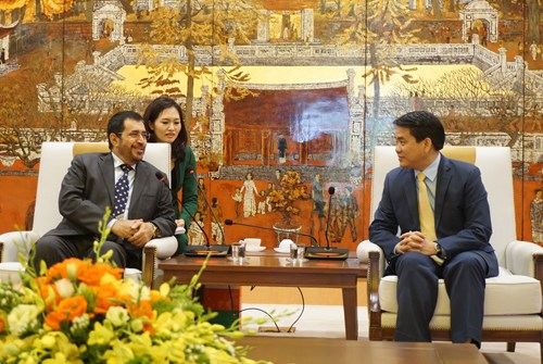 Oman wants to boost investment in Hanoi hinh anh 1