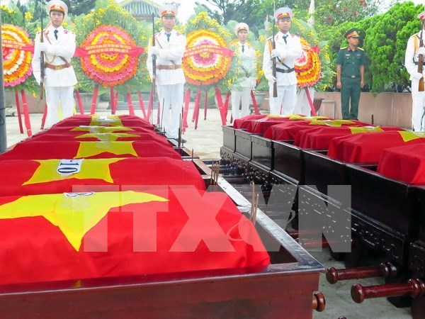 More remains of Vietnamese martyrs repatriated from Laos hinh anh 1