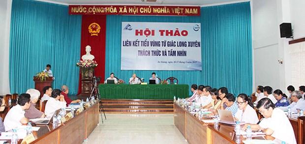 Conference debates connectivity in Long Xuyen Quadrangular hinh anh 1