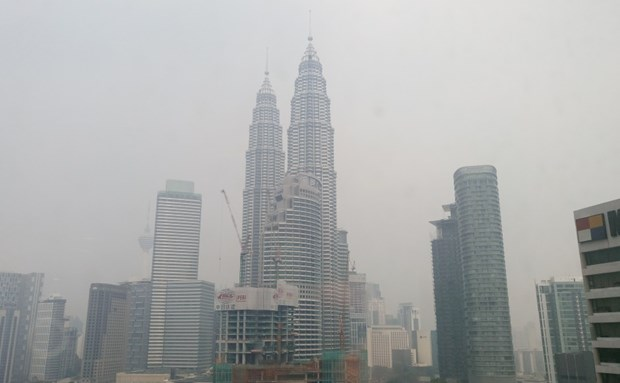 Indonesia assures ASEAN neighbours a haze-free 2017 hinh anh 1