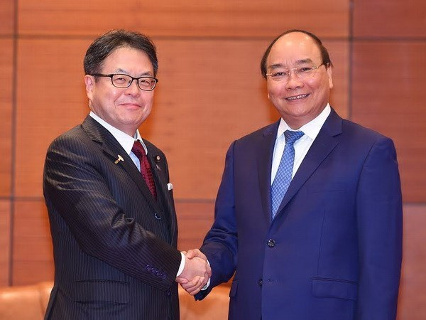 Prime Minister greets Japanese trade minister hinh anh 1