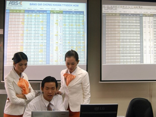 NA action on debt pushes market up hinh anh 1