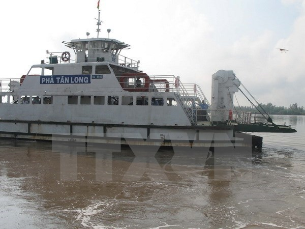 More than 1,300 river-sea ships join coastal transport routes hinh anh 1