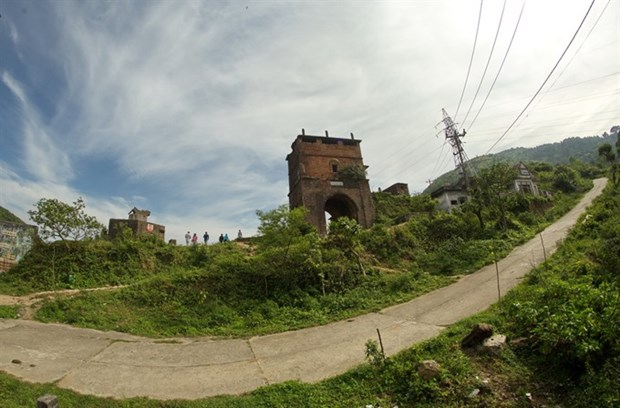 Real works to preserve Hai Van Quan relic site hinh anh 1