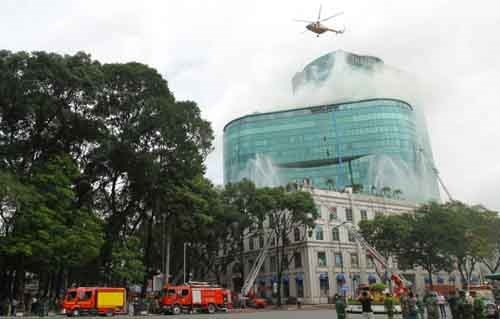 HCM City considers use of helipads on high-rises hinh anh 1
