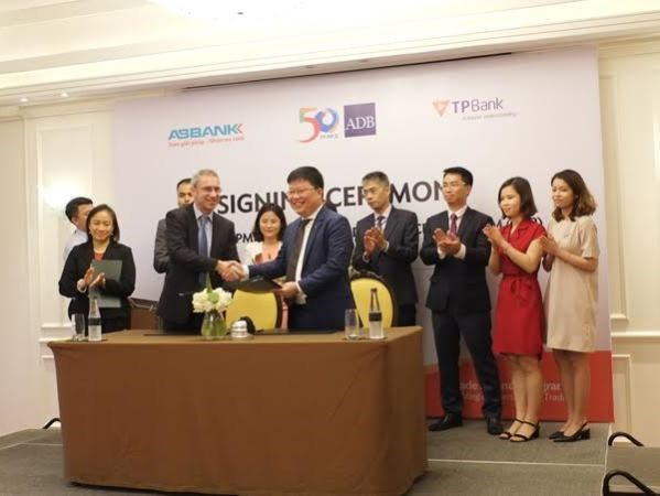 ABBank, TPBank join ADB trade finance programme hinh anh 1