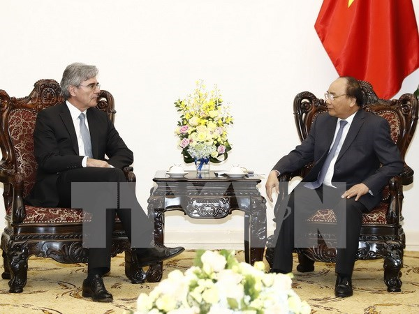 Prime Minister welcomes Siemens CEO hinh anh 1