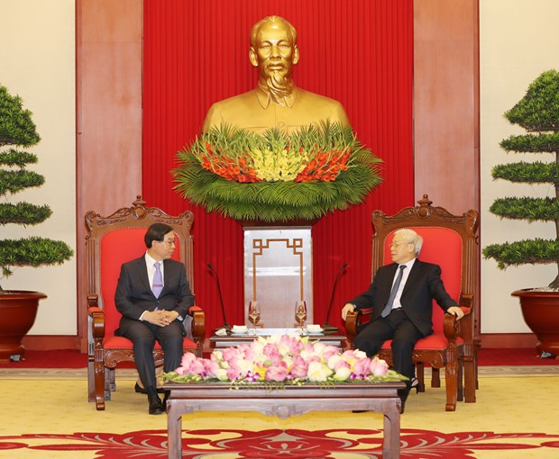 RoK – important economic partner of Vietnam: Party chief hinh anh 1