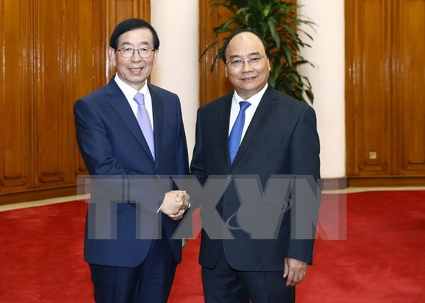 Prime Minister calls for RoK's investment in Vietnam hinh anh 1