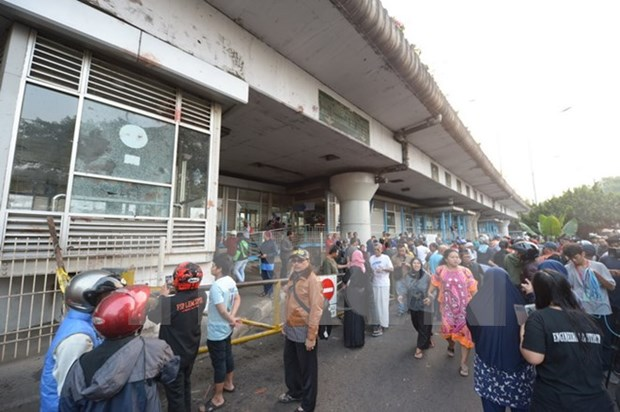 At least five killed in Jakarta bombing attack hinh anh 1