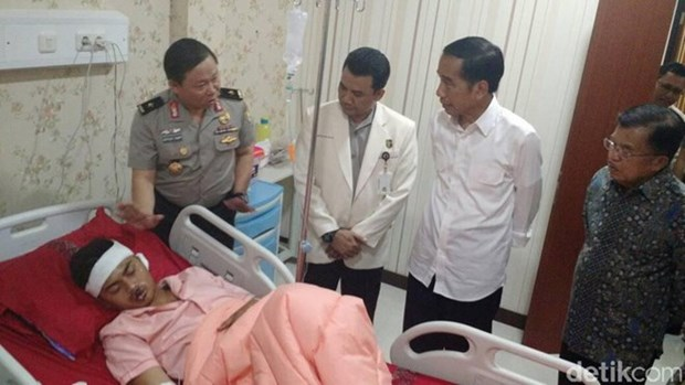 Indonesian President visits victims of bomb attacks hinh anh 1