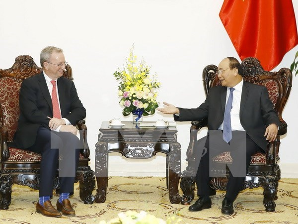 Prime Minister suggests Google open rep. office in Vietnam hinh anh 1
