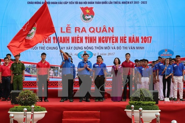 Youths join hands to develop rural, urban areas hinh anh 1