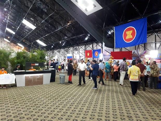 Vietnam joins charity bazaar in Venezuela hinh anh 1