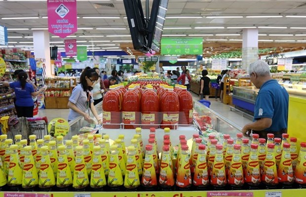 Lower food prices pull CPI down in May hinh anh 1